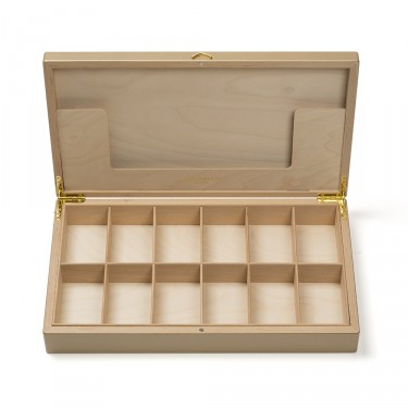 Palace' empty wooden chest to fill - Gold