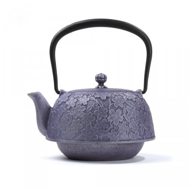 Japanese cast iron teapot - Hanami 1,2 L - purple