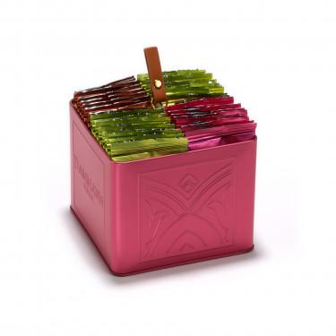 COFFRET PASSIONNÉMENT - présentoir rose de 32 sachets de thés